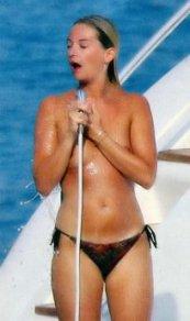 images-flavie-flament-nue-dans-yacht-topless-sein-jambe-en-bikini-softcore-10740-4c295